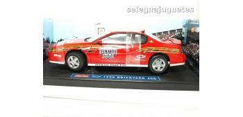 miniature car Chevrolet Montecarlo SS Pace Car escala 1/18 Sun