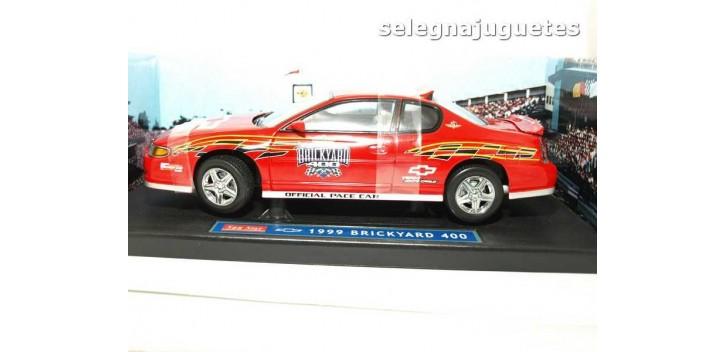 coche miniatura Chevrolet Montecarlo SS Pace Car escala 1/18