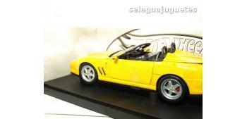 miniature car Ferrari 550 Barchetta Pinifarina amarillo escala