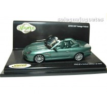 """<p>MODELO:<strong>Aston Martin Db7 Vantage Volante A.M. Racing Green</strong></p><p>MARCA:<strong>VITESSE</strong></p><p>ESCALA - SCALE - ECHELLE - MABSTAB:<strong>1:43 - 1/43</strong></p><p><strong style=""""font-style:normal;line-height:1.5em;font-family:Raleway, sans-serif;font-size:11.2px;"""">Ver más<a class=""""btn btn-default"""" href=""""https://www.selegnajuguetes.es/es/coches-a-escala/"""">coches a escala</a></strong><strong style=""""font-style:normal;line-height:1.5em;font-family:Raleway, sans-serif;font-size:11.2px;"""">Ver más<a class=""""btn btn-default"""" href=""""https://www.selegnajuguetes.es/es/por-escalas/escala-1-43/"""">1/43 - 1:43</a></strong></p>"""
