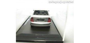 Skoda Superb gris escala 1/43 Abrex coche miniatura metal