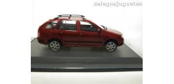Skoda Fabia SW rojo escala 1/43 Abrex coche miniatura metal