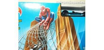 Hotwheels Spiderman La red atrapa enemigos se mueve