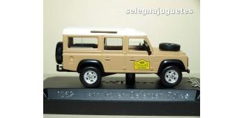 Land Rover Defender Rallye (vitrina dañada) escala 1/43 Solido