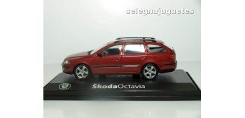 miniature car Skoda Octavia Sw rojo escala 1/43 Abrex coche