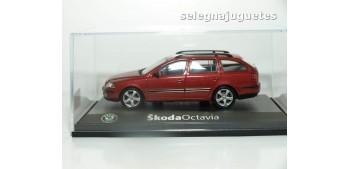 coche miniatura Skoda Octavia Sw rojo escala 1/43 Abrex coche