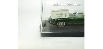 coche miniatura Jaguar D Type Prototipo 1954 escala 1/43 Brumm