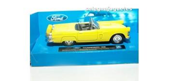 Ford Thunderbird 1956 scale 1:43 New Ray miniature car