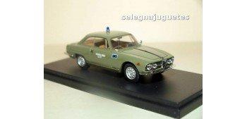 Alfa Romeo 2000 Sprint Polizia (policia) 1/43 Bang coche metal miniatura Bang