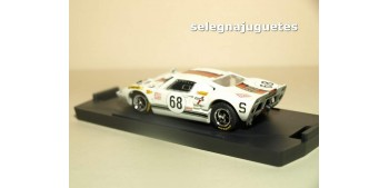 coche miniatura Ford GT 40 Le Mans 1969 nº 68 Kelleners escala