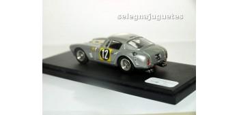 Ferrari 250 GT SWB Japon 1963 escala 1/43 Bang coche metal miniatura