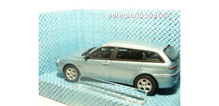 Alfa Romeo 156 azul claro escala 1/43 Cararama