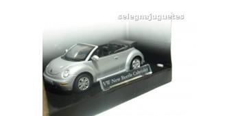 coche miniatura Volkswagen New Beetle cabriolet gris escala