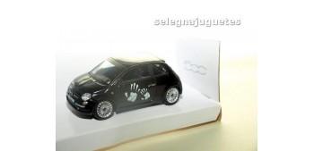 Fiat 500 nuevo negro 1/43 Mondo motors