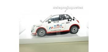 coche miniatura FIAT 500 NUEVO CELEBRITY CHALLENGE escala 1/24