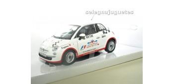 FIAT 500 NUEVO CELEBRITY CHALLENGE escala 1/24 MONDO MOTORS