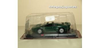 miniature car Jaguar XJ220 escala 1/43