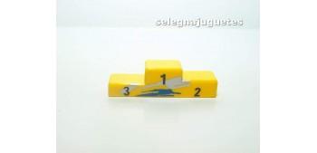 Podium más tres figuras escala 1/43 cararama (Artículo sin caja) Otros artículos
