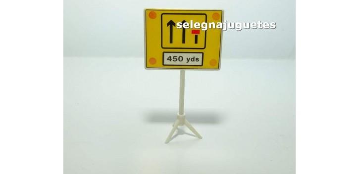 coche miniatura Fin carril 450 yardas señal trafico escala 1/43