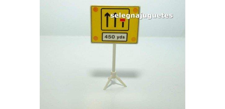 Fin carril 450 yardas señal trafico escala 1/43 cararama coche metal miniatura