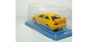 coche miniatura Mitsubishi Lancer Evolution V1 (blister) escala