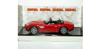coche miniatura Bmw Z8 rojo escala 1/43 Guisval