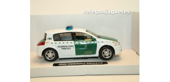 miniature car Renault Megane 2002 Guardia Civil Trafico 1/32