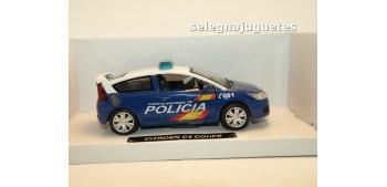 Citroen C4 Coupe Policia Nacional escala 1/43 Cararama