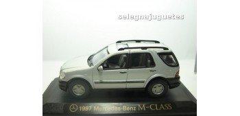 Mercedes Benz Clase M 1997 Gris escala 1/43 Yat Ming coche miniatura metal