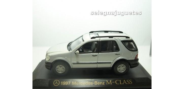 Mercedes Benz Clase M 1997 Gris escala 1/43 Yat Ming coche