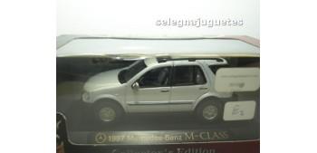 maquetas de coches Mercedes Benz Clase M 1997 Gris escala 1/43