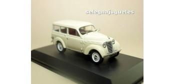 coche miniatura Renault Juvaquatre Break 1949 escala 1/43