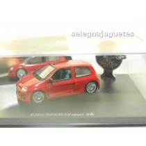 <p>MARCA: <strong>UNIVERSAL HOBBIES</strong></p> <p>ESCALA - SCALE - ECHELLE - MABSTAB: <strong>1:43 - 1/43</strong></p> <p>MODELO: <strong>Renault Clio Sport V6</strong></p>