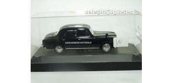 miniature car Peugeot 403 Gendarmerie escala 1/43 Verem