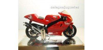 miniature motorcycle Yamaha Yzr 500 Max Biaggi escala 1/18 Saico