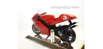 moto miniatura Yamaha Yzr 500 Max Biaggi escala 1/18 Saico