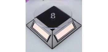Peana Expositora giratoria solar dorada para artículos de varias escalas