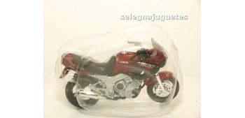 Yamaha Tdm escala 1/18 Maisto moto miniatura