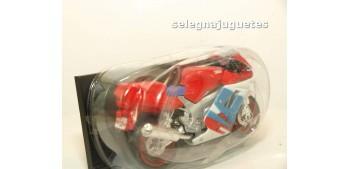 Suzuki Fzr600R escala 1/18 Maisto moto miniatura (sin caja)