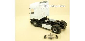 Cabeza Tractora Camión Scania escala 1/50 - Artículo sin caja