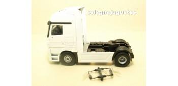Cabeza Tractora Camión Mecedes Actros escala 1/50 - Artículo sin caja