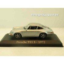 "<p><span style=""font-family:Verdana, Arial, Helvetica, sans-serif;font-size:11px;font-style:normal;line-height:1.5em;"">Modelo - Model - Modèle - Modell:Porsche 911 s 1972</span></p> <p>Escala - Scala - Echelle - Mabstab:1/43 - 1:43</p> <p style=""font-style:normal;font-size:11px;font-family:Verdana, Arial, Helvetica, sans-serif;"">Fabricante - Manufacturer - Fabricant - Hersteller:IXO - RBA</p> <p style=""font-style:normal;font-size:11px;font-family:Verdana, Arial, Helvetica, sans-serif;""><strong style=""font-style:normal;line-height:1.5em;font-family:Raleway, sans-serif;font-size:11.2px;"">Ver más<a class=""btn btn-default"" href=""https://www.selegnajuguetes.es/es/coches-a-escala/"">coches a escala</a></strong><strong style=""font-style:normal;line-height:1.5em;font-family:Raleway, sans-serif;font-size:11.2px;"">Ver más<a class=""btn btn-default"" href=""https://www.selegnajuguetes.es/es/por-escalas/escala-1-43/"">1/43 - 1:43</a></strong></p>"