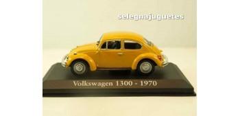 miniature car Volkswagen 1300 1970 (Vitrina) escala 1/43 Ixo -