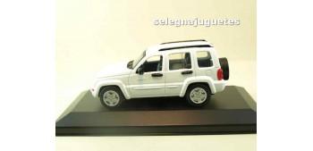 Jeep Liberty 2002 (vitrina) 1/43 Motor max Coches a escala 1/43