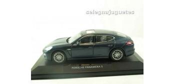 miniature car Porsche 911 turbo coupe 1995 (vitrina) 1/43 HIGH
