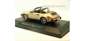 coche miniatura PORSCHE 911 SC TARGA 3.0 1977 (vitrina) 1/43