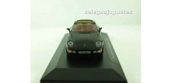 coche miniatura PORSCHE 911 CARRERA TARGA 1995 (vitrina) escala