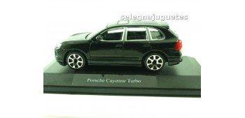 Porsche Cayenne Turbo (vitrina) escala 1/43 Burago Coche metal miniatura sin caja