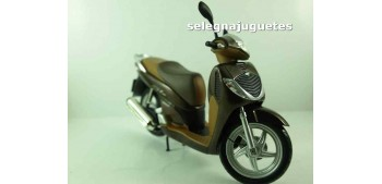 Honda SH125i scale 1:12 miniature motorcycle
