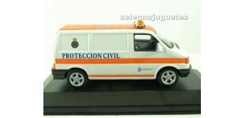 coche miniatura Volkswagen van protección civil escala 1/43